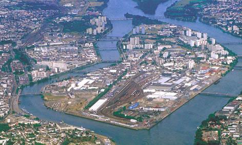La ville le fleuve et l 39 architecte for Maison de l emploi nantes